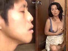 asian mummy caught sonnie masturbating