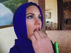 Arabic muslim non-professional takes cum in mouth