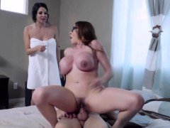 I fucked a pair of Moms Ariella and Missy on my house