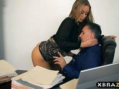 Brand-new secretary blows and moreover gets down and dirty her boss on her number one day