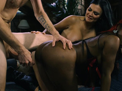 White and black porn divas have a giant boner in their possession
