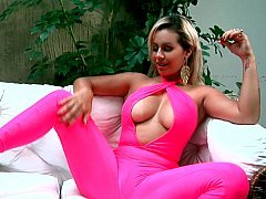 Alluring exotic Latina and also her vibrator