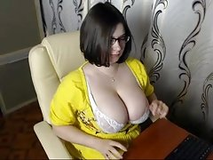 #3 love bubbles bigtitted cam girl