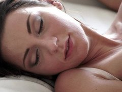 Anus of sleeping girlfriend is happy to be drilled in the morning