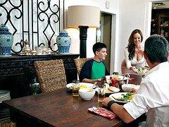 Mom steals away boyfriend with thanksgiving supper