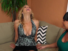 Two hot babes start the swingers party earlier