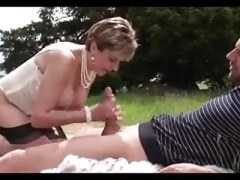 Female Sonja has an intercourse a dude in the fabulous outdoors