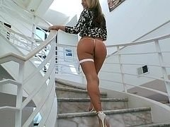 White lady with a ideal ass
