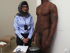 hooters of arab bitch get exposed movie