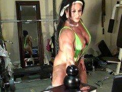 Sexy Woman Bodybuilder Cam Tease