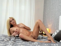 Frisky czech babe opens up her spread vagina to the peculia