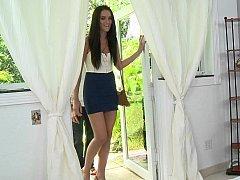 Long legged Eager mom Bianca Breeze