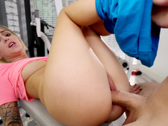 Blonde is feeling her trainers cock in the gym while with him