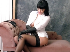 Broad with love bubbles in nylons and furthermore leather gloves fetish tease