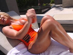 Tanned booby MILF Cali Carter fucking