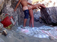 Deepthroat, Fuck on Public Beach!!! internal ejaculation with jism Falling out vag!!