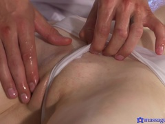 Massage Rooms (SexyHub): Teen has her innocent pussy fucked