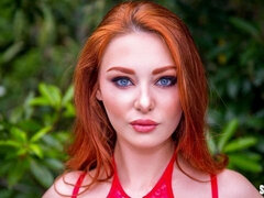 Redhead hottie Lacy Lennon stimulates her little crack