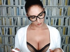 VISIT-X Studentin in Nylon Outfit steckt Stift in Muschi