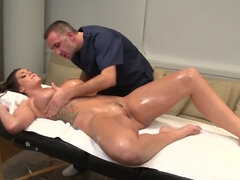 Chiropractor gives a special sexual massage to cute Madame
