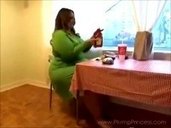 Heavyweight Princess Fast Food Feast (BBW fastfood stuffing)