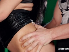 Ana Rose Treats the DJ to Her Perfect Pussy and a Sensual Blowie