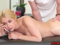 Very Hot mature giving head with massage