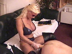Lisa Berlin Deep pumping with her thick strapon's