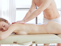Dunya is having a actual sexy massage with a happy ending.