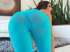 Blue pantyhose and moreover oil make babe look even sexier