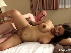 Nerd Dude Fucks Succelent Latina Mom
