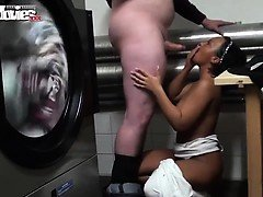 German mum pounded at public laund Mitsue from 1fuckdatecom