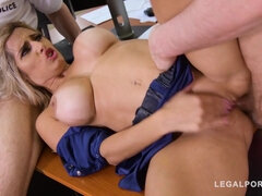 Police Officer Mommy Mia Linz Receives A Double penetration