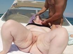 Hot dilettante threesome with cumshot