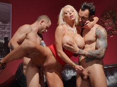 Poker dealer Nicolette Shea offers the sore losers the most magnificent consolation prize: a taste of her juicy pussy