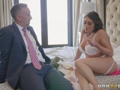 Real Wife Stories (Brazzers): Fuck Your Budget
