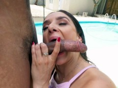 Latina Sheena Ryder is sucking the big black dick