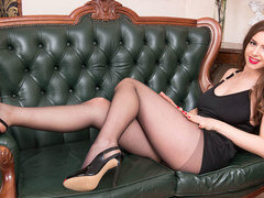 brown pantyhose newbie