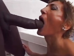 Shaggy White GILF loves dark BBC