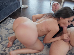 Big-breasted hottie Lela needs thick penis of Keiran