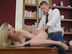 Tamara Grace gets her pussy drilled on the desk