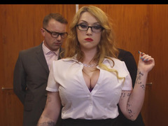Secretary slut Parity Reigns has a 3-way in the elevator