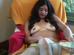 Natalie Lips loves to play with her nice sexy pussy