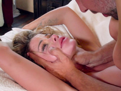 Jessa Rhodes in bed for a good fucking from a big cock