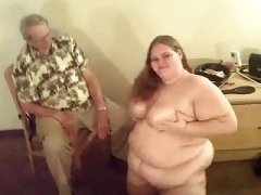 Adult bbw farting and taking a leak
