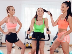 Lesbian threeway after hot workout