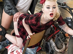 LETSDOET - Pinup Chick Gets To Make love Her New Biker Boyfriend