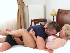 Big-breasted amateur granny banged hard by youthful dude