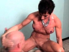 Aged muscle dame freting cock with lust