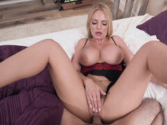 Platinum-Blonde COUGAR Nailed POINT OF VIEW
